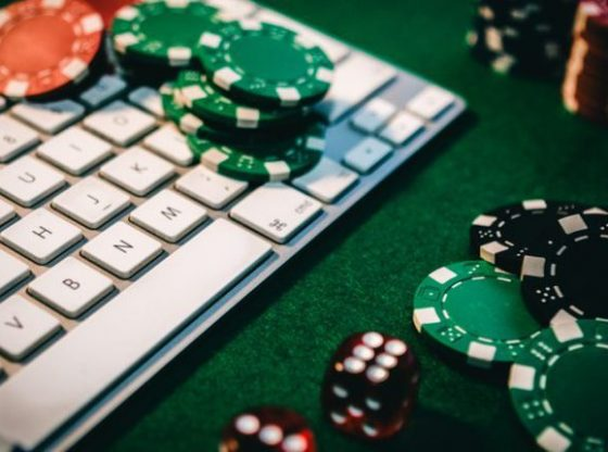 Why So Many Individuals Are Getting Internet Poker Fever - Online Gambling