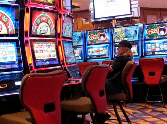 Just How To Instruct Online Gambling